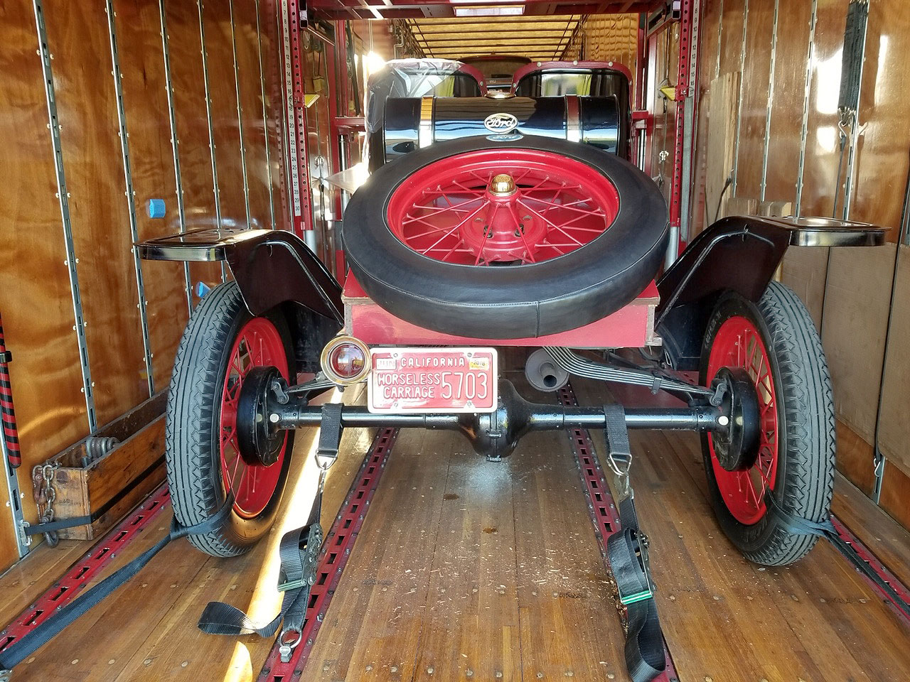 horseless-carriage-carriers-antique-classic-luxury-vehicle-auto-transportation-shipping-28